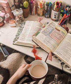 Bible Study Notebook, Bible Study Journal, School Motivation, Study Motivation, Bibel Journal, Bible Doodling, Christian Motivation, Bible Love, Jesus Bible