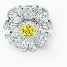 Eternal Flower Ring, Yellow, Mixed metal finish | Swarovski.com Swarovski Gifts, Swarovski Ring, Swarovski Crystals, Glamour, Duffy, Metal Finishes, Mixed Metals, Fancy, Engagement Rings