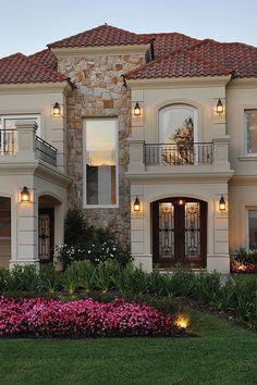 Classic House Exterior, Modern Exterior House Designs, Classic House Design, House Front Design, Dream House Exterior, Exterior House Colors, Dream Home Design, Modern House Design, Exterior Design