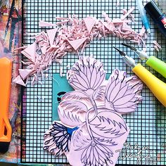 A Hand Carved Botanical Stamp! Stamp Carving, Loot Bags, Big And Beautiful, Printmaking, Screen Printing, Stamping, Hand Carved, Mixed Media, Floral