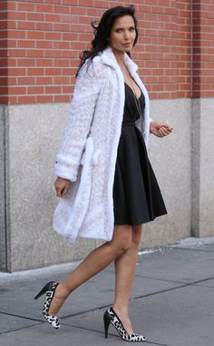 Padma Lakshmi from The Big Picture: Today's Hot Pics Padma Lakshmi, White Fur, Big Picture, Winter White, Hottest Photos, Celebrity Style, Sexy Women, Dress Up, Glamour