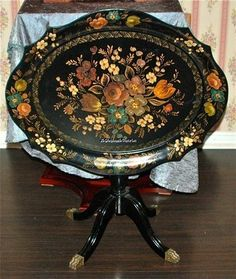 what a toleware tray with a stand! a bit formal, but with the black background and stand, i think it still very much compliments French country motif! great for serving food! Candle Tray, Coffee Candle, Hand Painted Furniture, Paint Furniture, Tea Table Design, Art Decor, Decoration, Metal Wood, European Style Homes