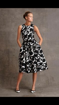 Michael Kors Pre-Fall by muses Baby Jane Holzer, Winona Ryder and Taylor Swift; Michael Kors updated classic staples for his label's pre-fall… Michael Kors Collection, Fashion Show, Fashion Trends, Fashion Fashion, Fashion News, Mode Style, White Fashion, Dress Me Up, Pretty Dresses