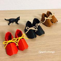 折り紙『小人の靴』👞  作り方→『すてきな折り紙』山口真 著より #ベビーシューズ   靴屋さんに転職しました。     折るのよりリボン結びの方が難しい…   #折り紙 #おりがみ #折り紙アート #折り紙作品 #折り紙靴 #折り紙の靴 #靴の折り紙 #靴 #こびとのくつ #小人の靴 #こびとの靴 #こびとのくつや #可愛い折り紙 #かわいいおりがみ  #origami #origamiart #paperfolding #origamishoes #shoesorigami #shoes #theelvesandtheshoemaker #종이접기 #折纸 #摺紙 #оригами #พับ Shoes, Paper, Zapatos, Shoes Outlet, Shoe, Footwear