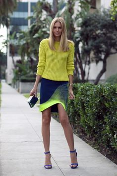 Street style. Carrying off two tricky colours to perfection.