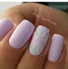 Opting for bright colours or intricate nail art isn't a must anymore. This year, nude nail designs are becoming a trend. Here are some nude nail designs. Gorgeous Nails, Pretty Nails, Nagellack Design, Manicure E Pedicure, Manicure Ideas, Purple Nails, Flower Nails, Creative Nails, Spring Nails