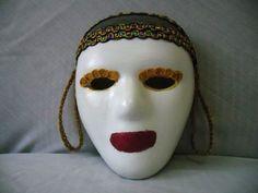 Quer fazer uma máscara para carnaval estilo as máscaras utilizadas no carnaval de Veneza? O mistério