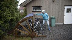 Et sykkelskur med tak beskytter sykkelen når den står ute. Slik bygger du din egen sykkelbod med plass til flere sykler. Arbeidstegning og beskrivelse finner du her.