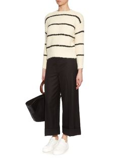 outfit_1045932