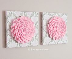 DIY Lovely Crochet Flowers on Canvas with Free Pattern