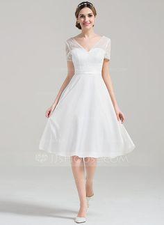 [R$ 372.41] Vestidos princesa/ Formato A Decote V Coquetel Cetim Renda Vestido de noiva com lantejoulas (002084731)
