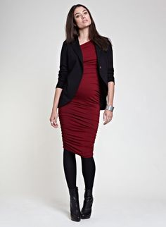 We love the curved hem of the Everyday Blazer. #maternity