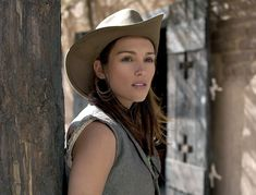 Amy Jo Johnson   -Elizabeth-Kennedy-