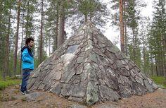 Maupertuis Memorial-muistomerkki Kittisvaaran päällä Tornionlaaksossa lähellä Pellon keskustaa