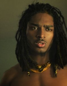 Let's take a look at some black men dreadlocks hairstyles pictures. If you are a guy looking to start some dreads this post is it and women will love you. This guy's hair makes him look hawt Black Is Beautiful, Gorgeous Men, Character Inspiration, Hair Inspiration, Pretty People, Beautiful People, Style Afro, Photographie Portrait Inspiration, Natural Hair Styles