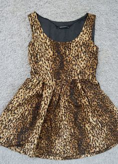 Kup mój przedmiot na #vintedpl http://www.vinted.pl/damska-odziez/krotkie-sukienki/17837633-unikatowa-rozkloszowana-sukienka-w-panterke-balerina-rozm-3638