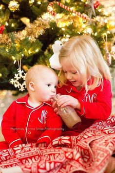 Pin for Later: Prince George and Princess Charlotte Just Won the Contest For the Cutest Holiday Card Photo Monogrammed Pajamas There are no words for this adorable moment in front of the Christmas tree. Sibling Christmas Pictures, Christmas Card Pictures, Xmas Photos, Family Christmas Pictures, Christmas Portraits, Holiday Pictures, Christmas Photo Cards, Family Holiday, Christmas Ideas