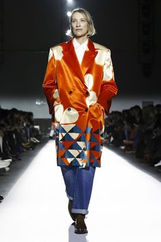 "This collection was the most authentic interpretation of his brand's heritage so far, one that celebrated his signature prints ""without nostalgia and with little artifice,"" the desi..."