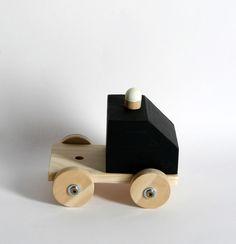 Natalia Aguado, juguetes para la crisis - Petit & Small