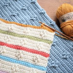 Follow this simple crochet baby blanket pattern to create your own colorful addition to any baby shower gift.  This easy baby gift is a perfect crochet blanket pattern for any beginner. #Crochet #Crocheting #CrochetLife #CrochetBlanket #CrochetPattern Tunisian Crochet Blanket, Crochet For Beginners Blanket, Baby Afghan Crochet, Manta Crochet, Crochet Blankets, Baby Blankets, Beginner Crochet, Baby Afghans, Free Crochet