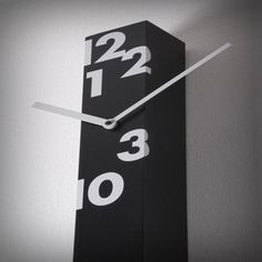 Orologio da parete in legno verniciato con movimento al quarzo a batteria  Lunghezza cm 150 Profondità cm 6 Altezza cm 6, Design di Alberto Sala. L'orologio per chi è sempre di corsa! Da oggi è su http://lovli.it/index.php/iltempostringe.html#