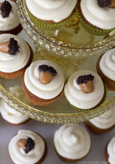acorn cupcakes fall treat thanksgiving