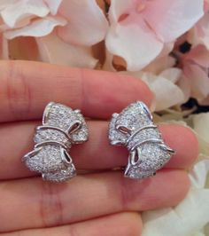 █ Estate Pave Diamond Bow Earrings in Platinum █ HM1361