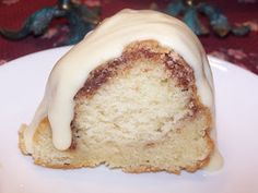 Linda's Lunacy: Cinnamon Bundt Cake with Cream Cheese Icing