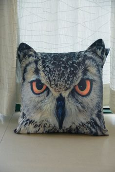 Cushion cover owl face with ears