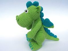 Every child (and not only a child) needs a friend to talk to, to share secrets and play with. Make such a friend with your hands full of love. Crochet a small dragon to be a best friend for your little one. Detailed instructions and pictures help you to crochet all parts of the toy and put them together to complete the dragon Draco. Difficulty: suitable for beginners (however crochet basics needed) All my patterns are available for download in English and German Material: -Yarn with ca…