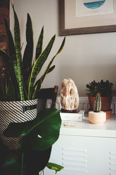 And while we are on the subject of home indulgences , do you own a Himalayan salt lamp? If you don't, you are missing out big time. Rock Salt Lamp Benefits, Salt Rock Lamp, Himalayan Rock Salt Lamp, House Plants Decor, Room Decor Bedroom, Room Inspiration, Decoration, Interior And Exterior, Just In Case