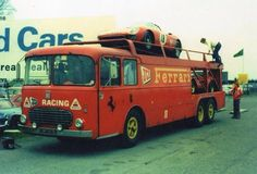 Race Car Transporters - Ferrari transporter with Ferrari 250 LM on top. Old Race Cars, Slot Cars, F1 Racing, Racing Team, Old Hot Rods, International Harvester Truck, Truck Transport, Car Carrier, Exotic Sports Cars