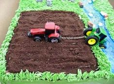 Tractor birthday cake for boys. Deco Cupcake, Cupcake Cakes, Birthday Desserts, Birthday Parties, Tractor Birthday Cakes, Tractor Cakes, Tractor Cupcake Cake, Happy Birthday, Birthday Cakes For Dad