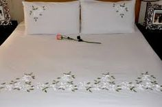 images of ribbon embroidery - Google Search Floral Embroidery Patterns, Hand Embroidery Videos, Hand Embroidery Flowers, Flower Embroidery Designs, Ribbon Embroidery, Sheet Curtains, Burlap Curtains, Bed Sheet Painting Design, Chicken Cross Stitch