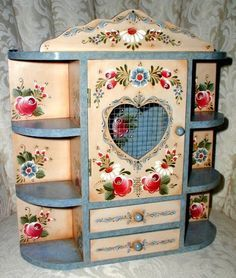 Fotos pintura Bauernmalerei - Jane Frade - Álbumes web de Picasa/I had painted one like this for my Mom. It was stolen when she was. Art Furniture, Hand Painted Furniture, Furniture Makeover, Tole Painting, Painting On Wood, Decoration, Art Decor, Home Decor, Norwegian Rosemaling