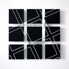 Tonneke Sengers  TW 10 WHITE GRID ON BLACK SQUARES (2012)