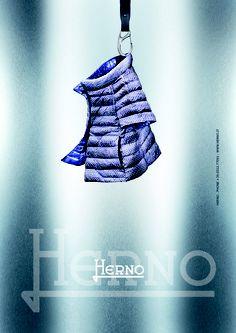 Reversible ultralight printed nylon down cape  http://www.herno.it/index.php/en/collezioni/donna/prodotto/91