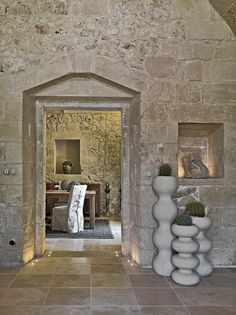 The Relais Masseria Capasa Hotel was completed in 2013 by the Porto Viro based designer Paolo Fracasso. This beautifully styled hotel was built with natural House Decor Rustic, Italy House, House Design, Stone Houses, Stunning Interiors, Interior Design Rustic, French House, Rustic House, Vases Decor