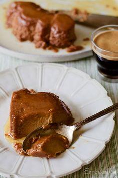 Leche asada de manjar Un clásico postre chileno irresistible y muy sencillo de preparar.