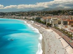Determined to take Paco to my favorite place in Europe: Nice, France <3