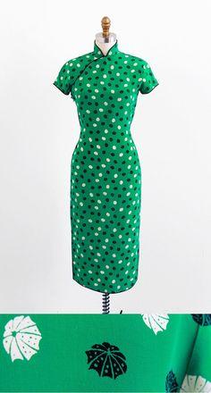 vintage 1940s green umbrellas novelty print cheongsam dress.