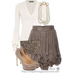 l love the skirt.