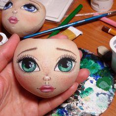 Кончил кукле на лицо