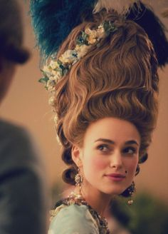 """"""" The Duchess"""" with Keira Knightley. The film is based on Amanda Foreman's biography of the English aristocrat Georgiana Cavendish, Duchess of Devonshire. Keira wore some of the most fabulous costumes in this film. Keira Knightley, Keira Christina Knightley, Georgiana Cavendish, Duchess Georgiana, The Duchess Of Devonshire, Avant Garde Hair, Rococo Fashion, 18th Century Fashion, Big Hair"""
