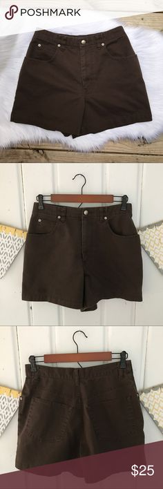 "Banana Republic High Waisted Brown Mom Shorts Cute and comfy 100% cotton brown high waisted ""Mom"" shorts. Excellent used condition. Normal signs of wear from washing and drying a few times. 4"" inseam. Banana Republic Shorts"