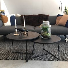 Coffee Table For Small Living Room, Living Room Plan, Living Room Designs, Living Room Decor, Round Dinning Table, Dinning Tables And Chairs, Living Room Furniture Arrangement, Home Interior Design, Decoration