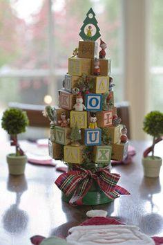 Image from http://www.decor4all.com/wp-content/uploads/2011/12/handmade-christmas-decorations-craft-ideas-1.jpg.