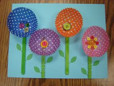 Garden theme from Storytime Katie! Love the cupcake flower garden craft and book lists! Daycare Crafts, Toddler Crafts, Crafts For Kids, Arts And Crafts, Paper Crafts, Spring Theme, Spring Art, Cupcake Liner Crafts, Cupcake Liners