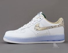 Nike Air Fore 1 Low PRM Comfort QS - Caliroots.com
