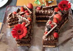 Zahlentorte (Numbers cake) - #lettercake - Der Kuchentrend 2017/2018 für besondere Anlässe!... Cupcakes, Cake Cookies, Alphabet Cake, Cake Lettering, Letter Cake Toppers, Ring Cake, Number Cakes, Birthday Cake Decorating, Strawberry Cakes